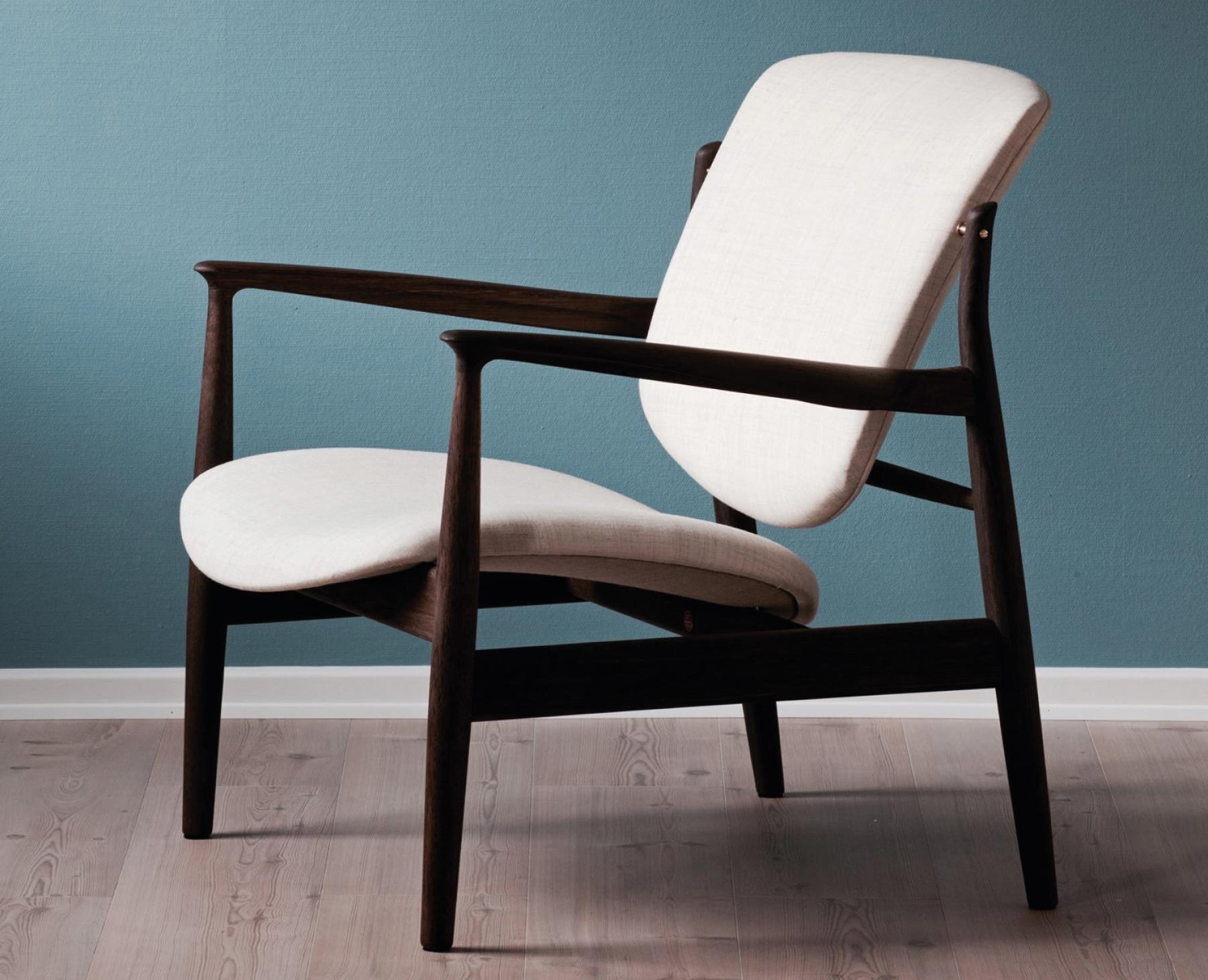 3-France-Chair